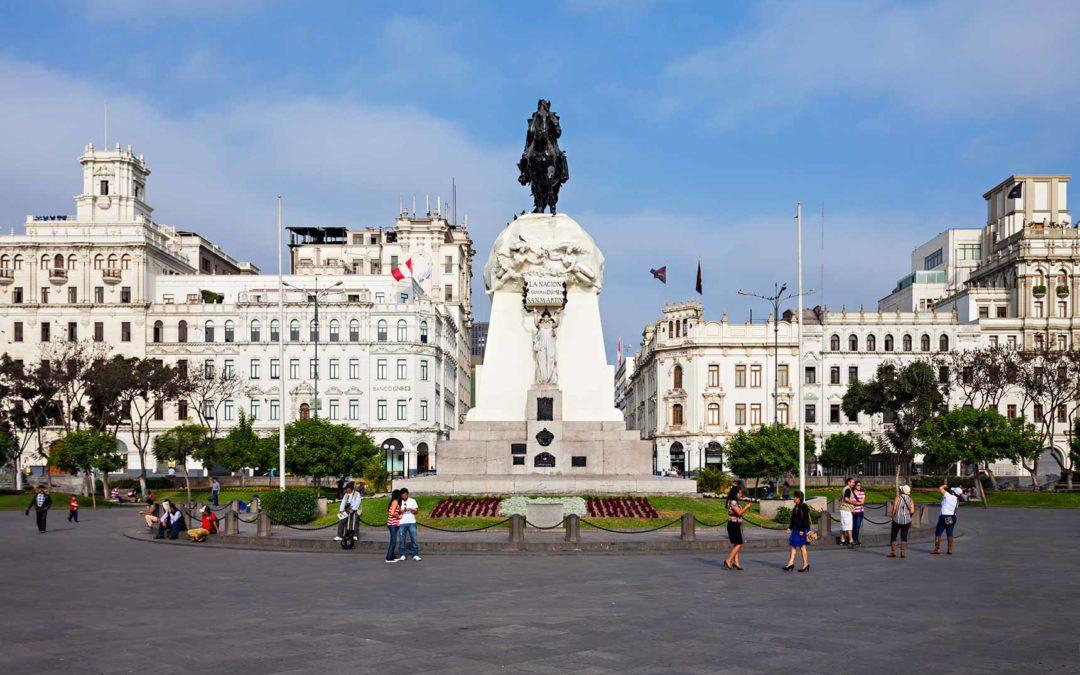 Profinanza inaugura su nueva oficina en Lima, Perú.